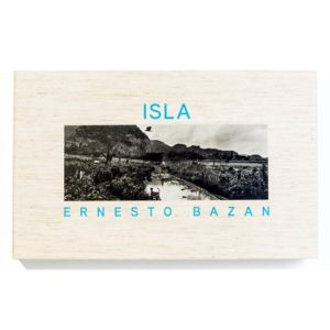 Isla Limited Edition Clamshell